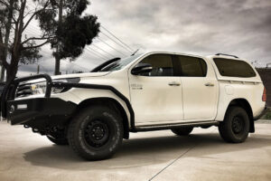SMM canopy fitted to toyota hilux sr
